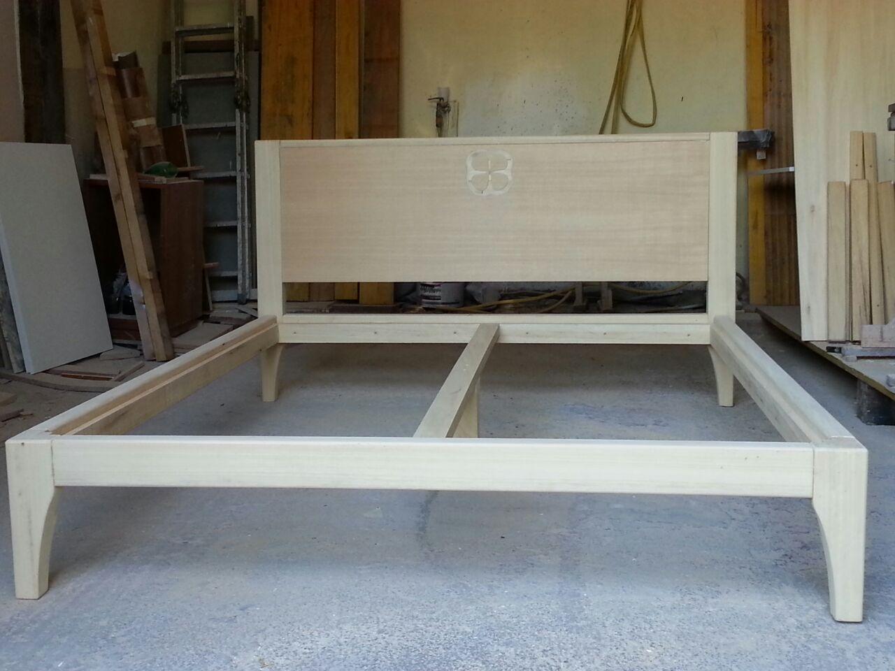 Letto matrimoniale in legno massello in lavorazione - Letto matrimoniale legno massello ...