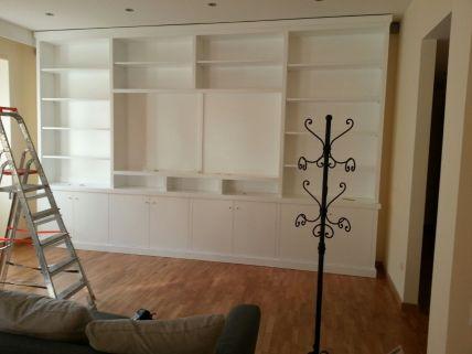Libreria laccata in bianco