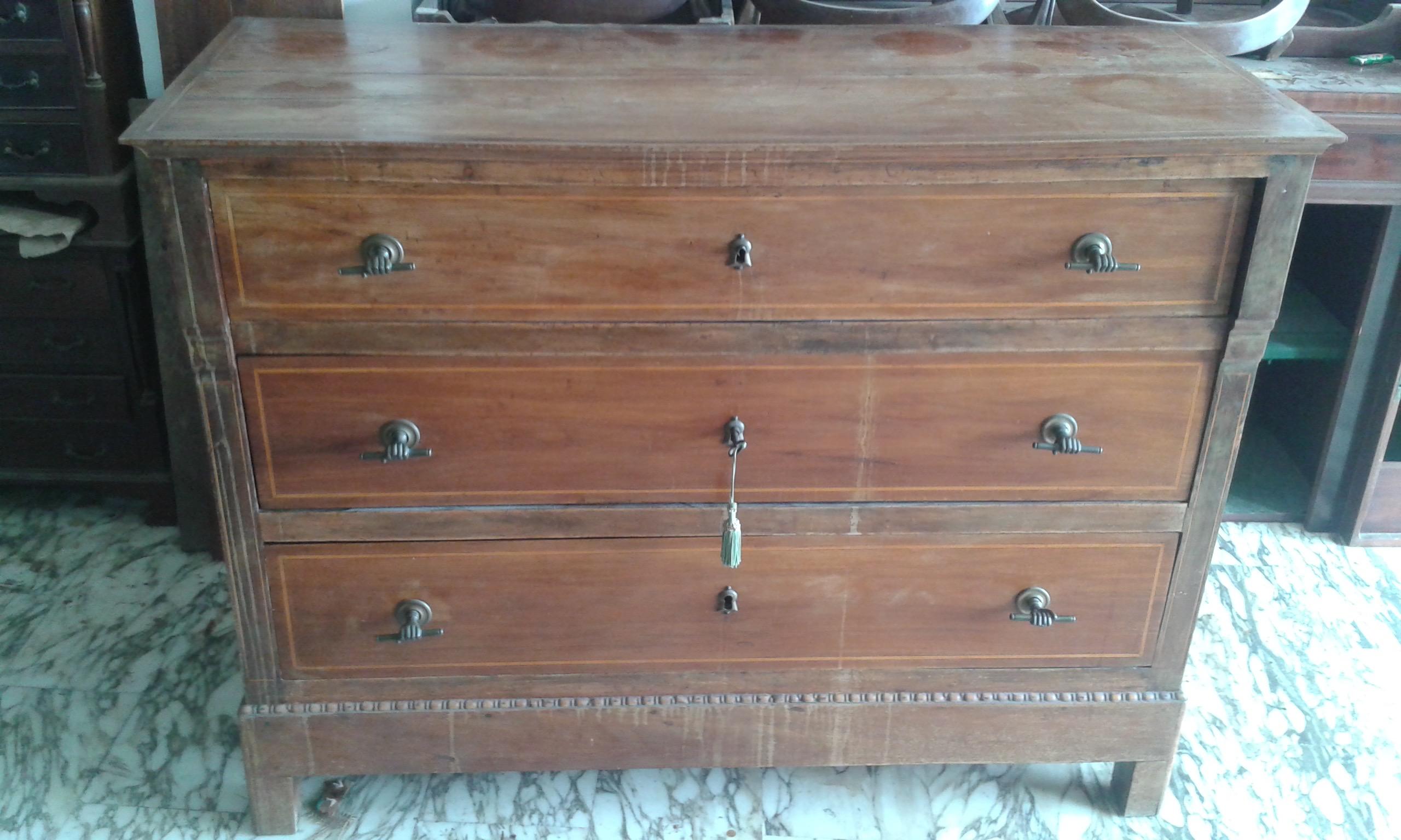 Come restaurare un tavolo in legno costruire un tavolino - Restaurare un mobile in legno ...